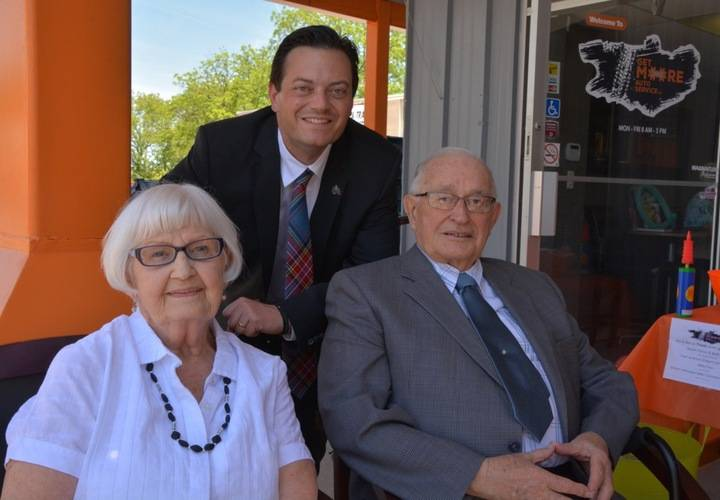 Mayor Jeff Lehman w/Past Mayor Ross & Marie Archer