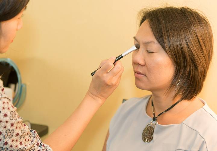 Makeup application by eforea Spa Markham