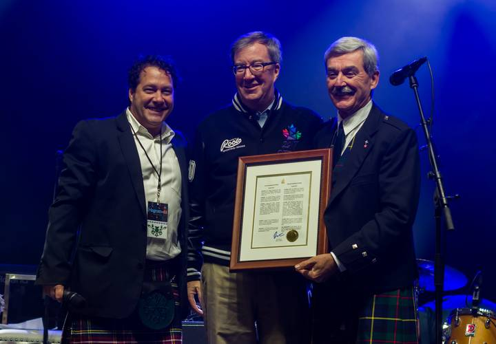 Mayor Watson Jan Scottish Month/Bill Welychka & Kevin MacLeod, Chair SSO. P:JAP