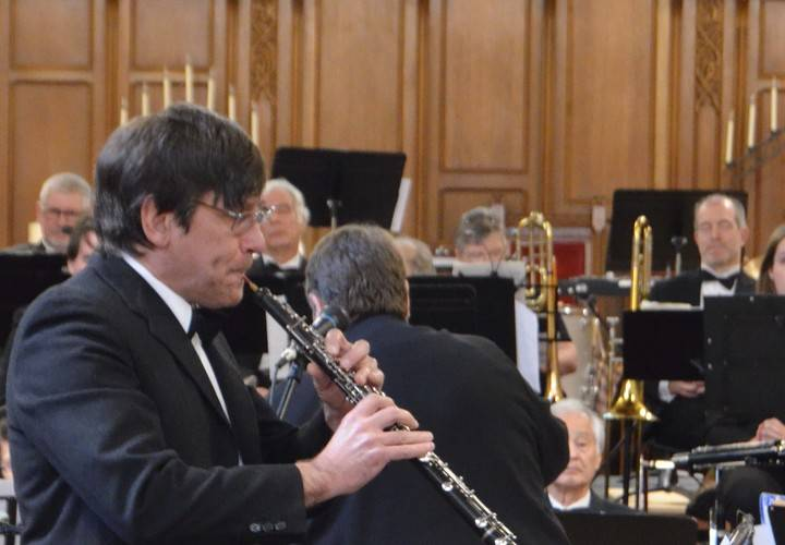 Homer Seywerd performing Gabriel's Oboe with the DVO