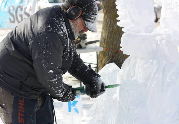 Lakefield Ice Carving