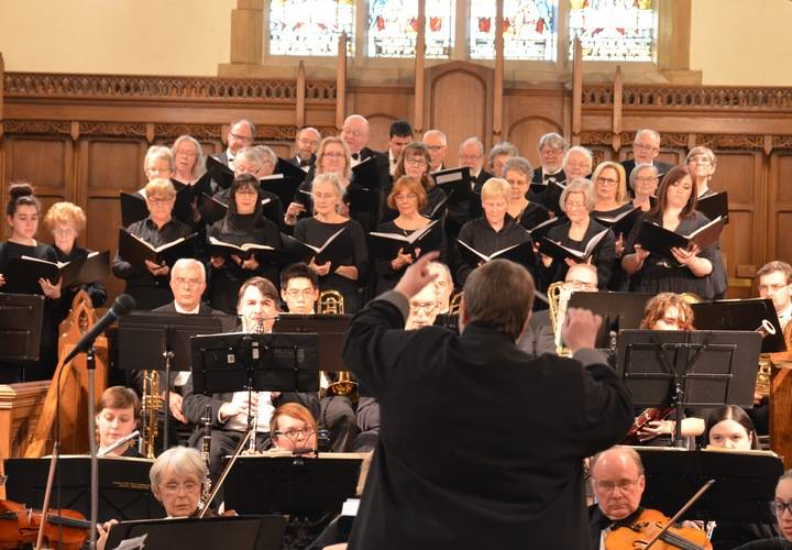 Dundas Valley Orchestra with the Celebration Choir