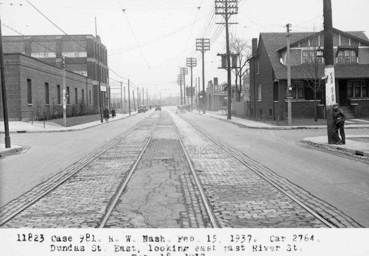 Dundas and river 1937