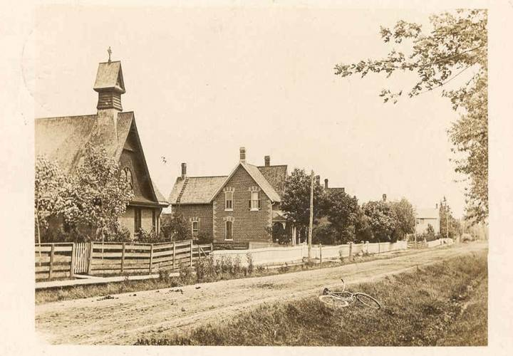 Maple ontario in 1909