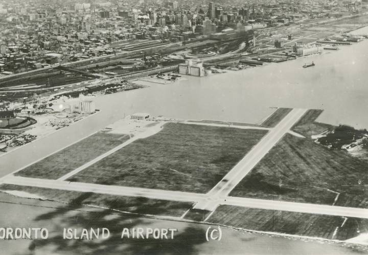 Toronto island airport  hanlan s point.1940